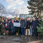 """Tombola und Weihnachtsbaumverkauf für """"Nachbarn in Not"""""""